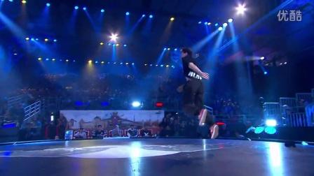【5BBOY】Menno vs Alcolil - Semi Final - Red Bull BC One World Final 2014 Paris