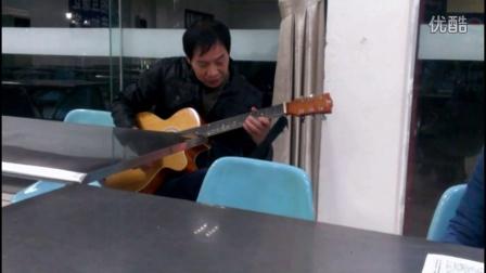 食堂炒饭大叔  即兴 吉他弹唱【花房姑娘】 一看就是有故事的人