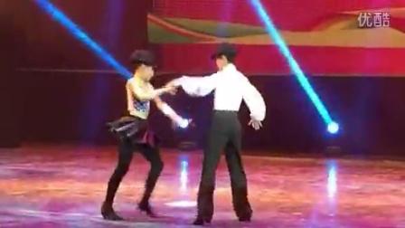 厦门市青少年宫凤凰花拉丁舞团谢德夏&梁玉倩  精彩演绎《逗趣牛仔》