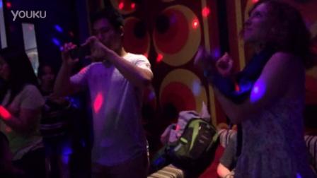 泰国人唱KTV