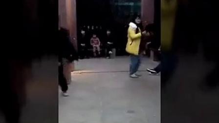 鬼步舞自由风  宁南SHL曳舞圣地 夕月