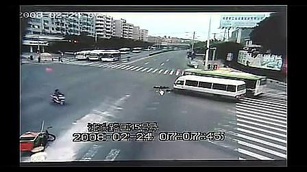 【不敢直视】超强车祸集锦_订阅我的粉丝可以观看