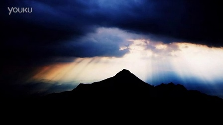 S33-阳光穿过云层