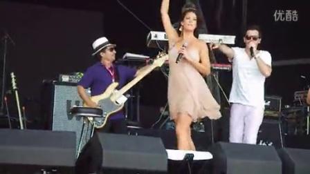Ciro Cruz c Zoey Jones e a Banda Soul Buziness no Rock in Rio Lisboa