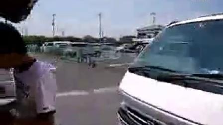 VDSL楼外侧箱体处施工视频