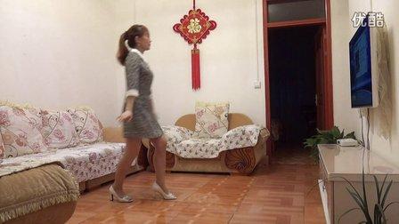 丽丽广场舞:花开的时候你就来看我   编舞:一瓶