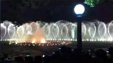 20131101出访杭州火车上和西湖赏喷泉