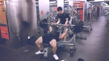 卧推姿势+180kg 1RM IPF