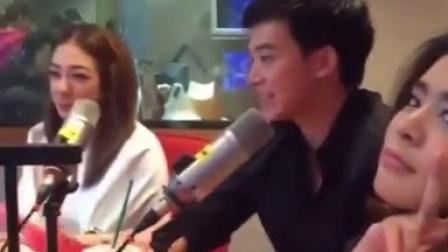20150723视频来自IG:Bie在接受采访Noona在搞怪