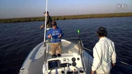 可以帮你吸引鱼过来觅食的电子鱼漂,让钓鱼变捞鱼