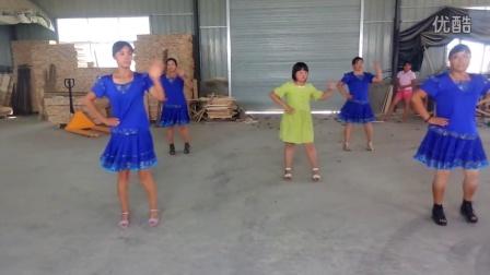 中国范儿~彭庄亮丽色彩广场舞队