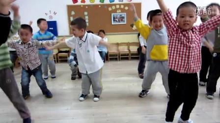 66幼儿园跳舞