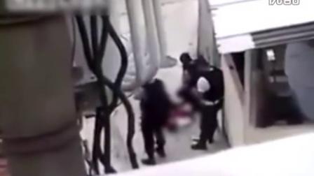0644--实拍巴西警察射杀少年后伪造现场