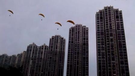 震撼!新余抱石公园飞行表演!