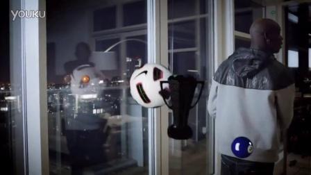 omgq637-Mario Balotelli   Nike Air Max Lunar广告-720p