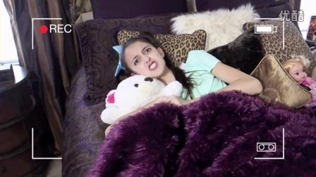 Princess Lucy Has A Secret!|SevenSuperGirls|151018