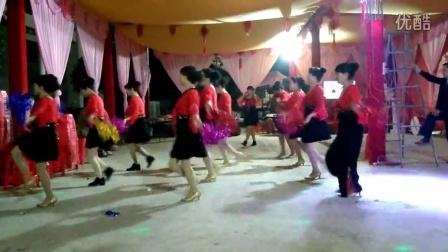 伟纯广场舞 欢乐中国年