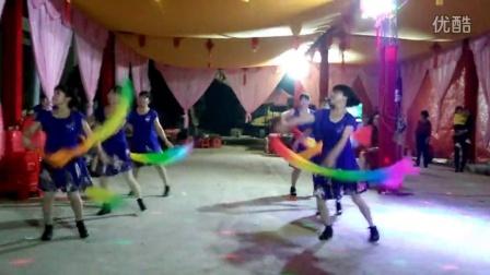 伟纯广场舞 踏浪