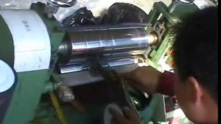 分条机、抽条机、斜裁卷布机、油糊机工作视频