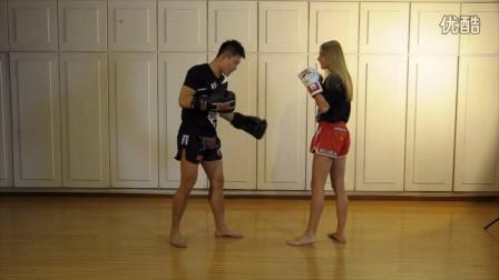 泰有绝招17-转身拳基础-伊卡翠娜.范达耶娃01-HBW欧式泰拳韩博惟教程