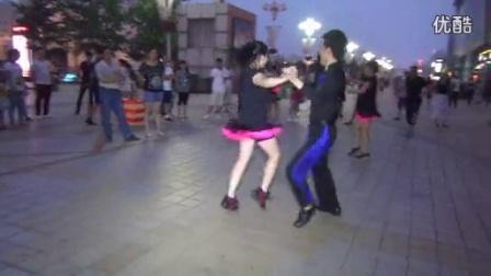 百荣水兵舞大舞台 张女士和张先生 150812_标清
