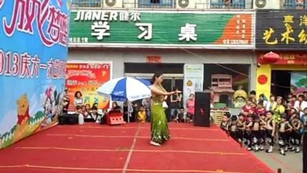 临汾幼儿老师赵秀的孔雀舞