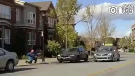 老奶奶停车技术简直要屌爆了!