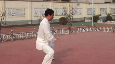 秀珠小学李占朝老师大课间太极拳第十式