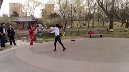 严璐 北京棍舞 北京双节棍双棍