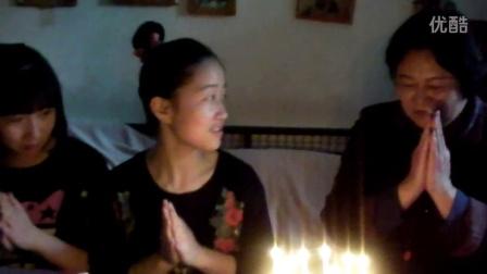 学生提前给赵幼兵老师祝生日