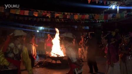 泸沽湖篝火
