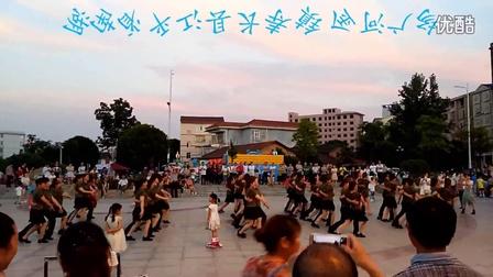 湖南平江县长寿镇金河广场