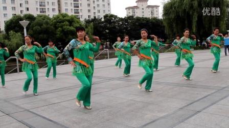 东明广场舞 大街小巷都听我的歌