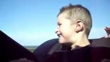 【唐铭阳分享集】过山车吓坏外国小孩【唐铭阳分享各类视频】
