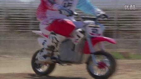 RAZOR 电动越野摩托车 沙漠飞翔