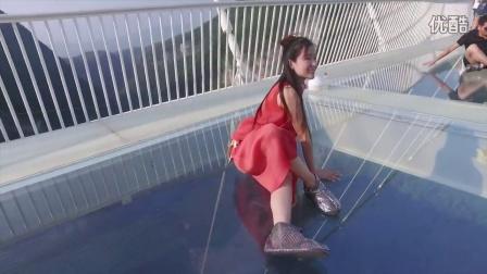 美丽张家界航拍The longest and highest glass bridge opened
