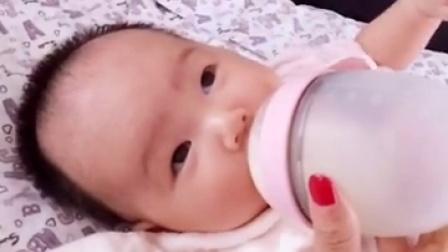 喝奶的娃最可爱