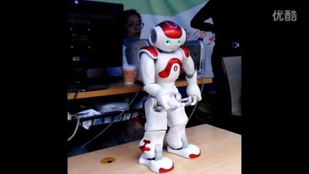 机器人广场舞小苹果