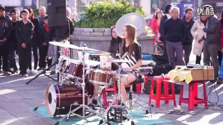 台湾女鼓神陈曼青街头一流明星