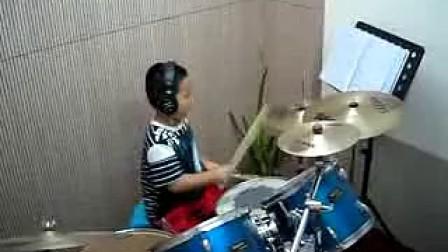 七岁的鼓牛小吾打Funk One