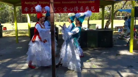 新疆联谊会与藏族孤儿牵手在一起《感恩有您》