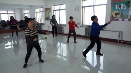 第三套柔力球集体示范动作