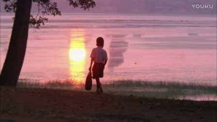 0243-清晨一个小朋友上学影视视频