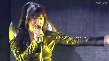 Slash Ft. Fergie - Beautiful Dangerous LIVE (Official Music Video)
