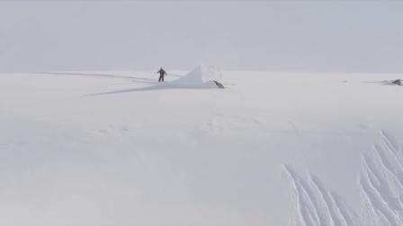 单板极限滑雪:在高山之巅茫茫雪原恣意释放