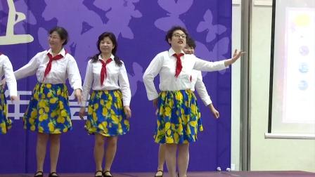 歌表演《喂鸡》表演:千千阕团长声部长