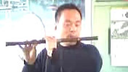 本人笛子独奏……