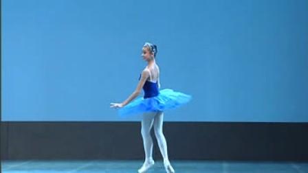 第7届桃李杯舞蹈教育成果展示民族古典舞蹈表演之《唐 吉珂德》梦幻女变奏