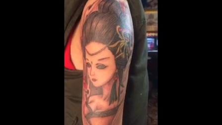 美女纹身图