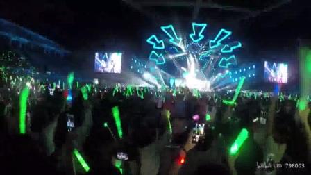 【大张伟】0218广州演唱会《花儿+破灭+向我开炮+泡沫+静止》(1)